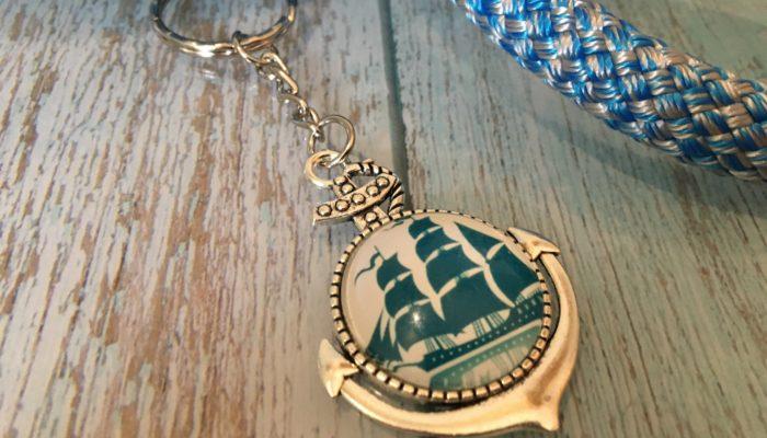 Schlüsselanhänger Segelboot blau