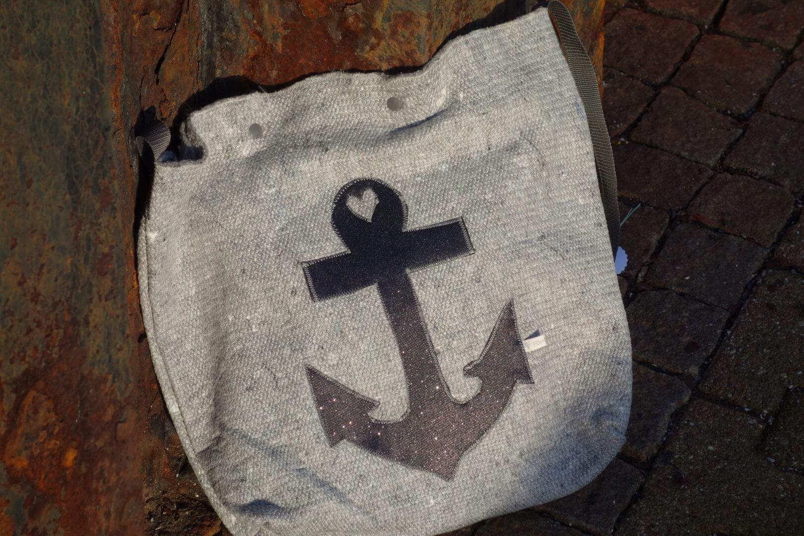 Handtasche Umzugsdecke schwarz Anker
