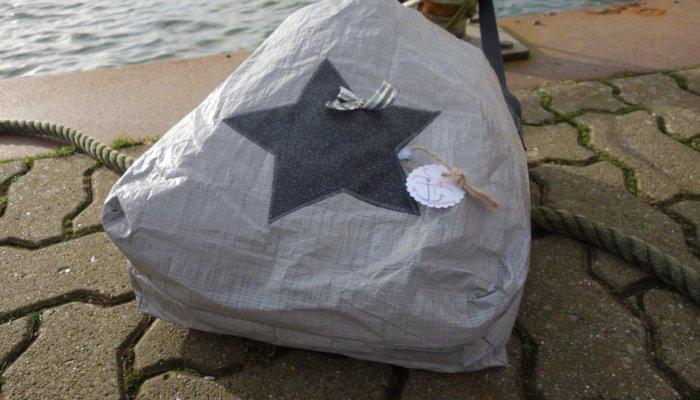 Upcycling - Tasche IKEA Deluxe aus Abdeckplane mit Stern