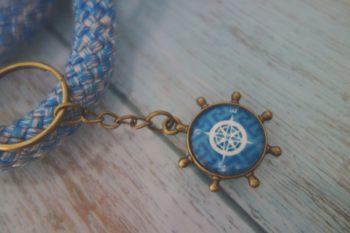 Schlüsselanhänger Steuerrad mit Kompass