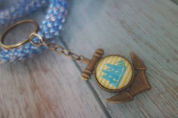 Schlüsselanhänger Anker blau gelb