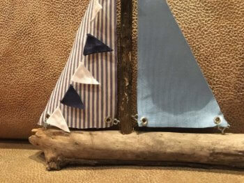 Rumpf blaues Segelboot